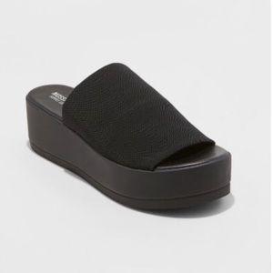 NWT/Box Mossimo Slinky Shoe S. 8